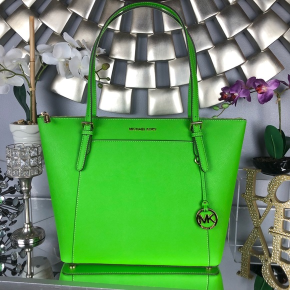8a9b62408ead3d Michael Kors Bags | Last Day Sale Mk Ciara Large Leather Tote | Poshmark